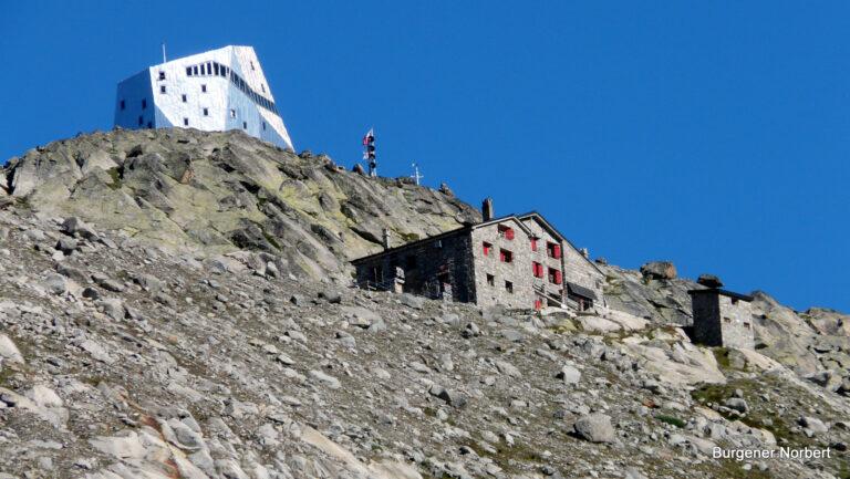 Alte und Neue Monte-Rosa-Hütte